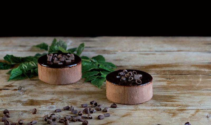 Dolci mini mousse cioccolato